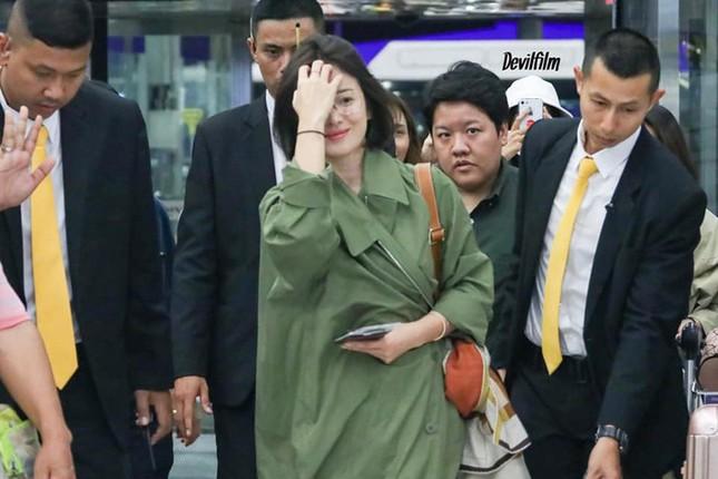 Ngược đời như Song Hye Kyo: Danh tiếng hạng A mà style hàng ngày như diễn viên quần chúng ảnh 9