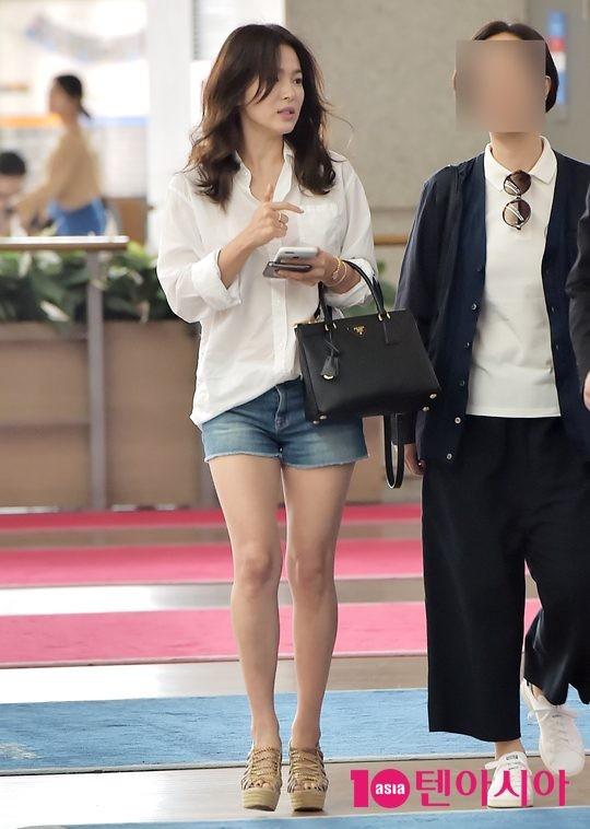 Ngược đời như Song Hye Kyo: Danh tiếng hạng A mà style hàng ngày như diễn viên quần chúng ảnh 4