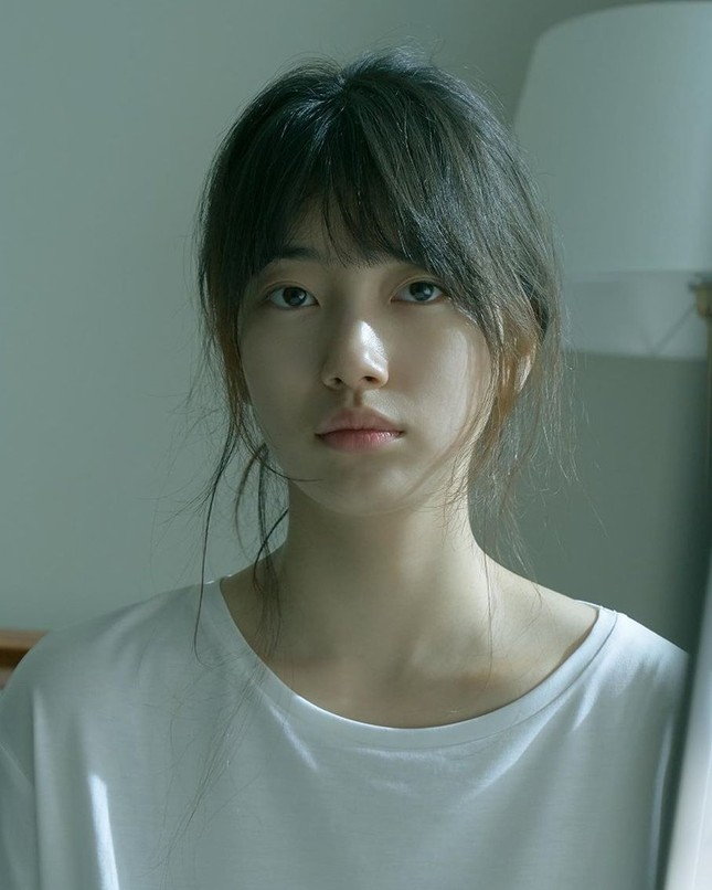 Đỉnh cao mặt mộc chính là Suzy: Ảnh ngái ngủ phụng phịu vẫn được khen đẹp như nàng thơ ảnh 3