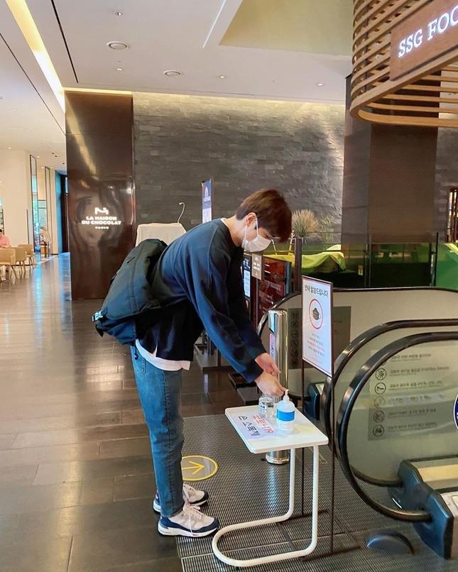 Chờ mãi mới có ngày rảnh để Lee Min Ho đi siêu thị mua đồ và cái kết không ngờ ảnh 4