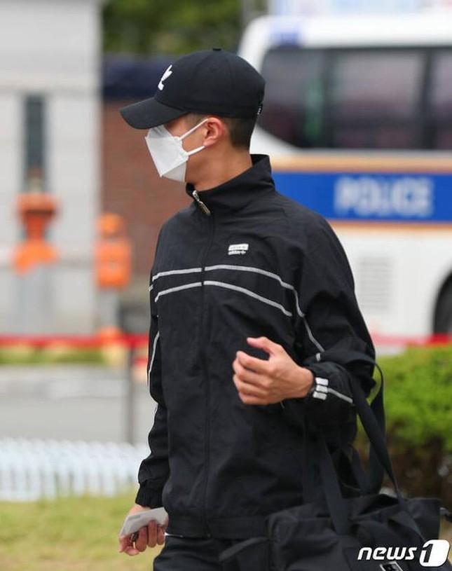 Bí ẩn khó hiểu: Park Bo Gum đã nhập ngũ, không dùng MXH nhưng Twitter vẫn cập nhật đều? ảnh 1