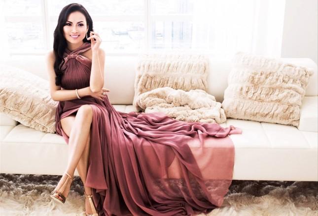 Có khối tài sản hơn 1 tỷ đôla nhưng ca sĩ giàu nhất Việt Nam lại không chuộng diện đồ hiệu ảnh 2