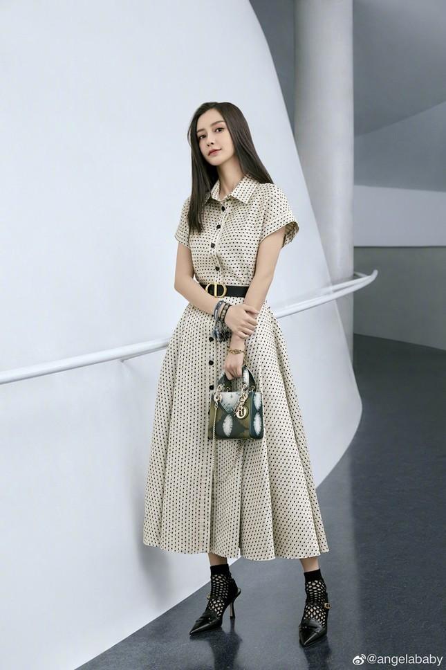 """Khi hai """"nàng thơ Dior"""" Hàn - Trung đối đầu: Sang chảnh hay ngọt ngào sẽ thắng thế? ảnh 3"""