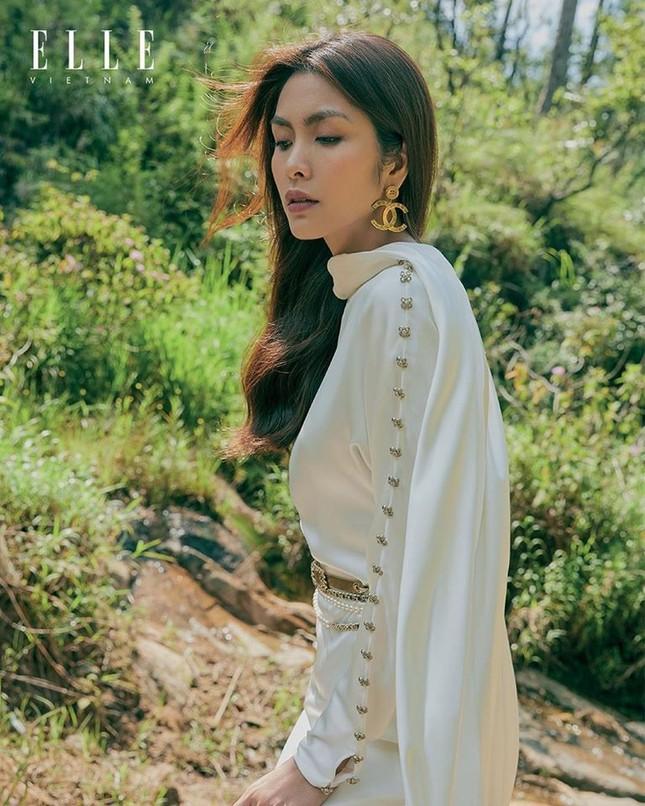 Đụng hàng váy Chanel với Seo Ye Ji nhưng Tăng Thanh Hà lại tỏa sáng theo cách rất riêng ảnh 5