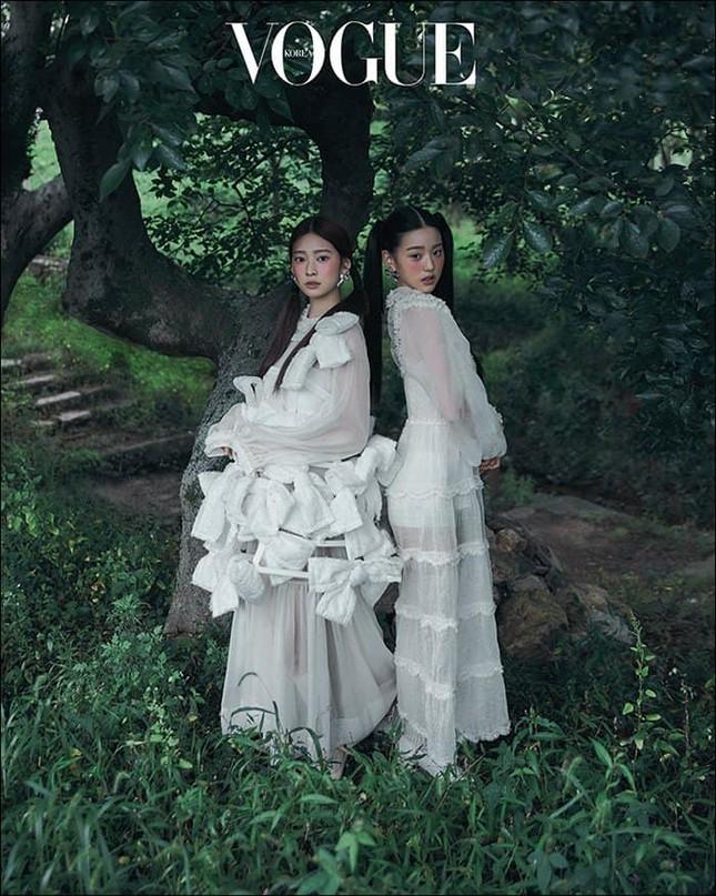 Lần đầu tiên trong lịch sử, Jang Won Young (IZ*ONE) chụp tạp chí mà bị chê về nhan sắc ảnh 1