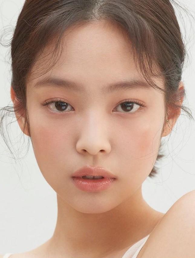 Sau tất cả, netizen đã tìm ra lý do khiến Jennie (BLACKPINK) bỏ tóc mái sẽ xinh hơn ảnh 3