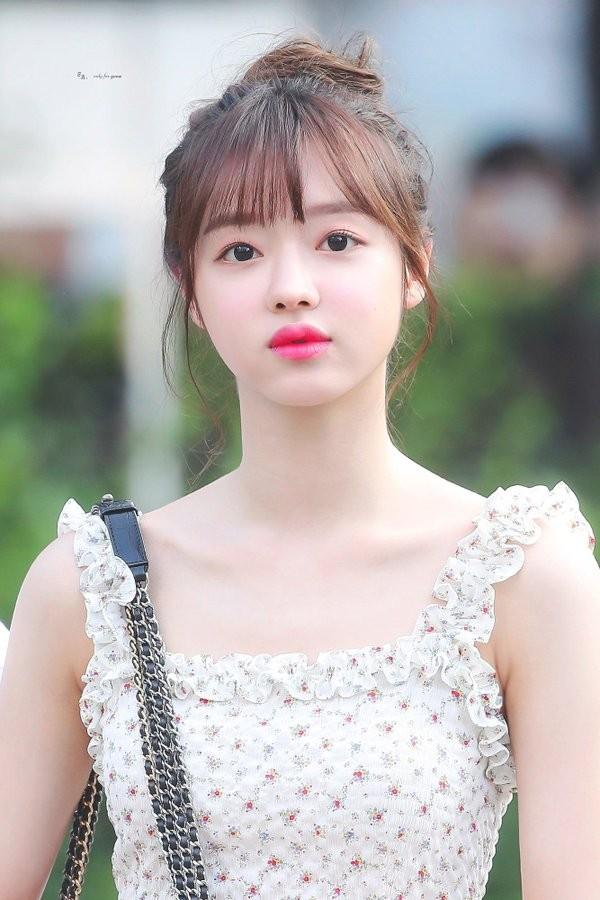 YooA (Oh My Girl) xinh đẹp cỡ nào mà được người Hàn quan tâm hơn cả Jennie (BLACKPINK)? ảnh 10