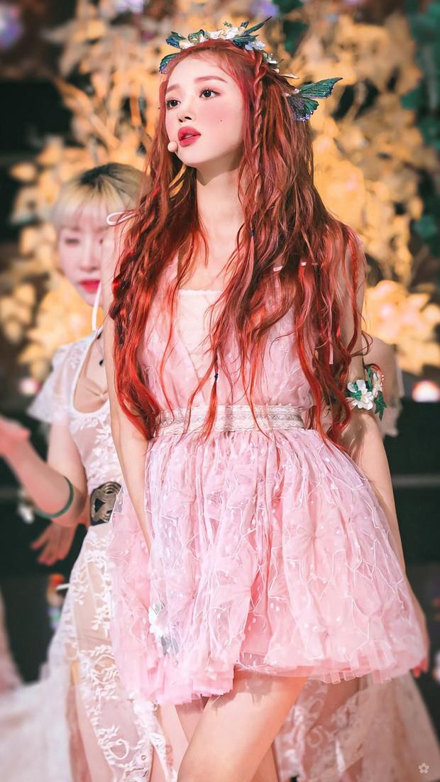 YooA (Oh My Girl) xinh đẹp cỡ nào mà được người Hàn quan tâm hơn cả Jennie (BLACKPINK)? ảnh 2