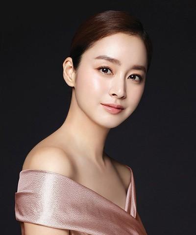 Kim Tae Hee lộ ảnh không photoshop, nhan sắc có phần lão hóa nhưng lại được khen ngợi ảnh 3