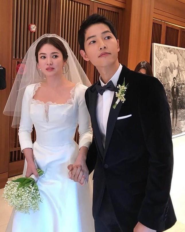 Show thực tế này có gì lạ mà netizen gọi ngay tên Song Joong Ki và Song Hye Kyo? ảnh 4