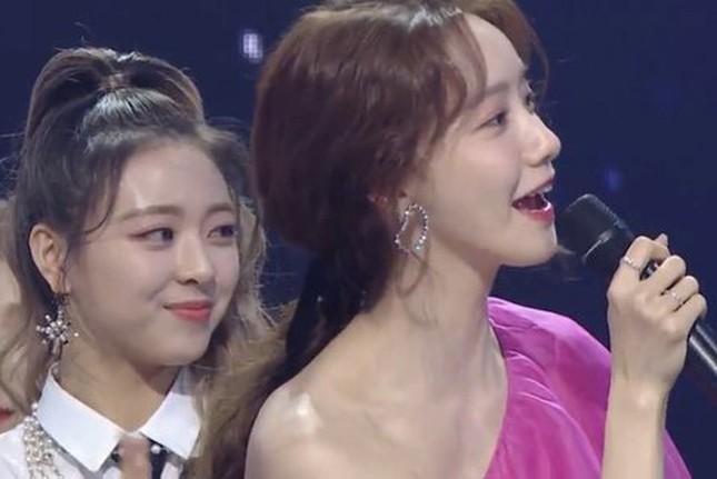 Đẹp lấn át hàng loạt idol đàn em nhưng Yoona vẫn phải chịu lu mờ trước một người ảnh 3