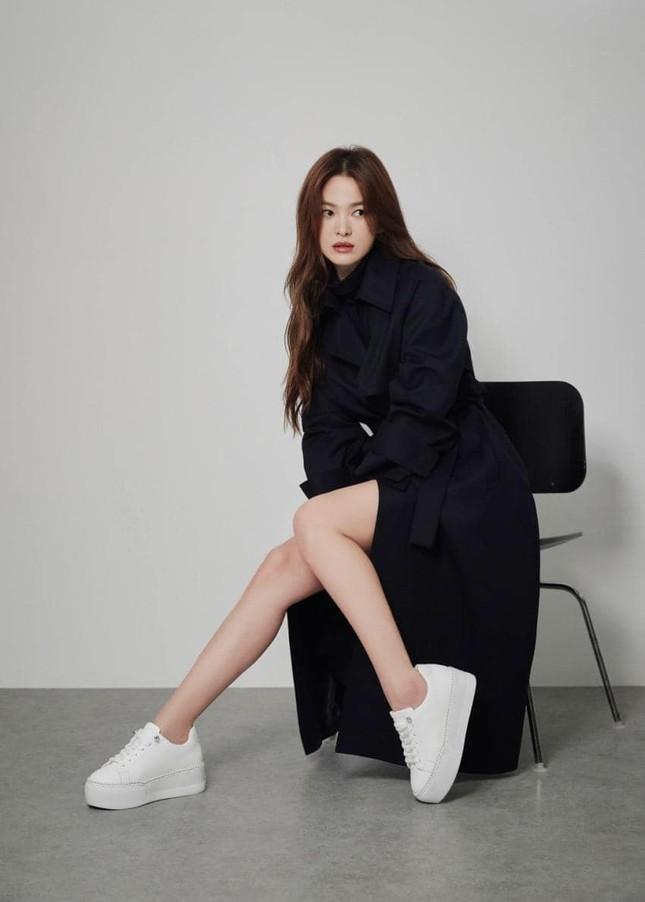 """Loạt ảnh này có gì lạ mà giúp Song Hye Kyo được khen """"vượt trội Kim Tae Hee, Son Ye Jin""""? ảnh 4"""