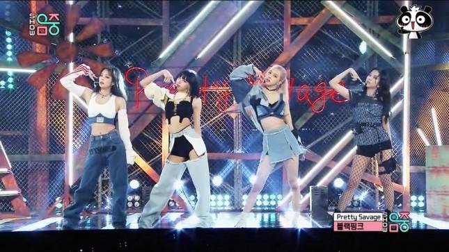 Chỉ là mặc một chiếc quần jeans mà sao Jennie được netizen tán thưởng là quá thông minh? ảnh 3