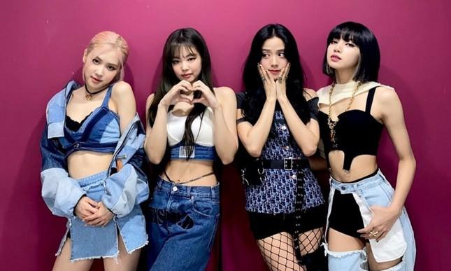 Chỉ là mặc một chiếc quần jeans mà sao Jennie được netizen tán thưởng là quá thông minh? ảnh 2