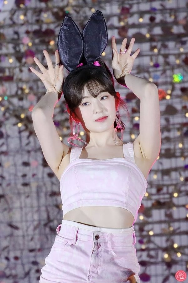 """Nhìn những hành động này, netizen gọi Irene (Red Velvet) là """"cô tiên quốc dân"""" cũng đúng ảnh 8"""