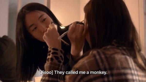 Netizen phẫn nộ khi biết Jisoo (BLACKPINK) khi còn bé đã bị họ hàng đối xử như thế này ảnh 2