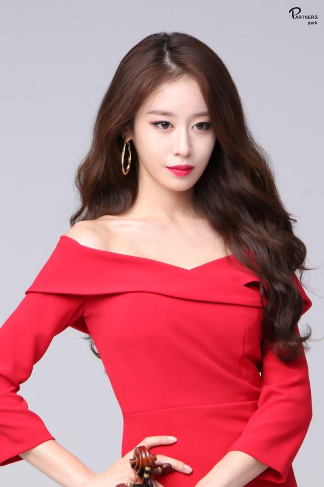 """Bất ngờ với top các nữ idol được fan quốc tế khen là """"xinh nhất K-Pop hiện nay"""" ảnh 8"""