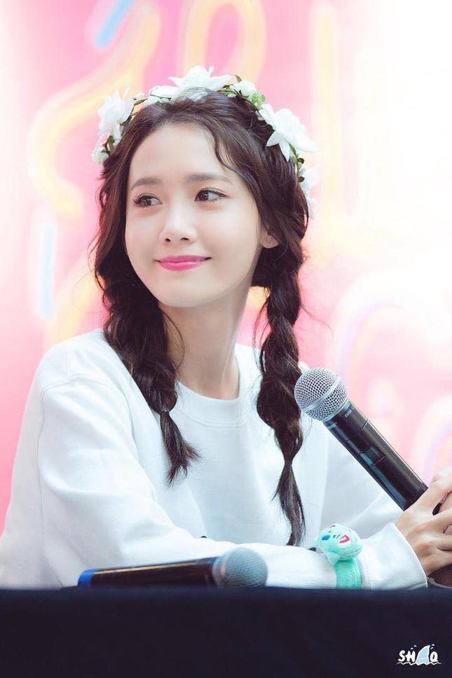 Một bọng mắt lớn hai số phận: Yoona được khen còn Jisoo (BLACKPINK) lại bị bảo kém sắc ảnh 1