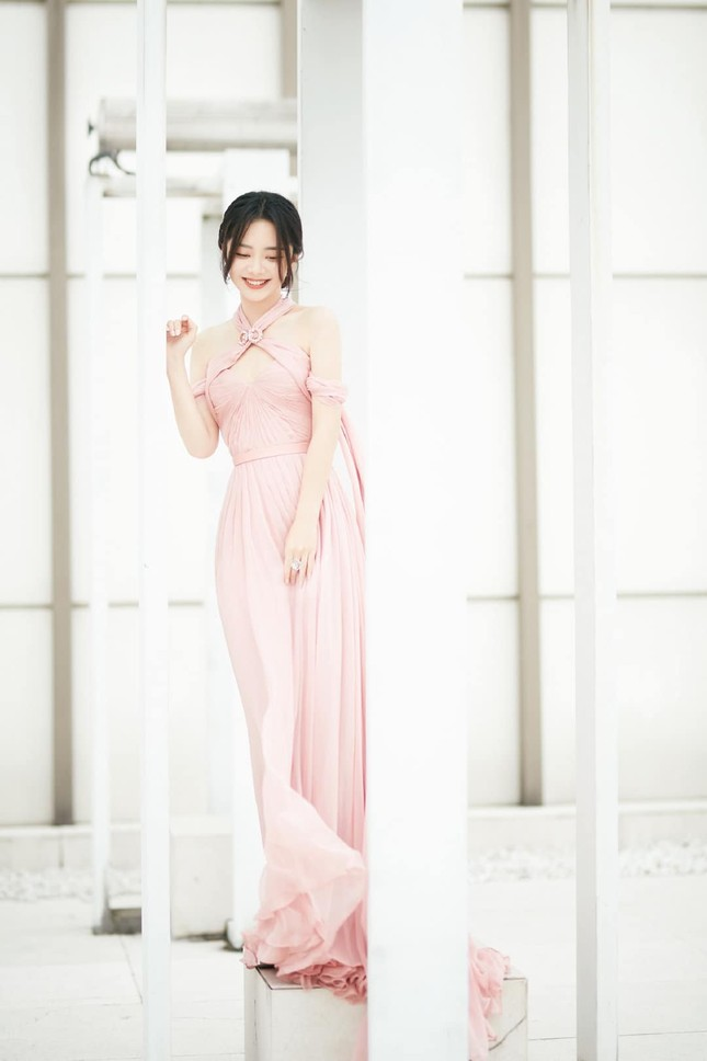 Ngất ngây với dàn mỹ nhân C-Biz ở giải Kim Ưng: Ai cũng lộng lẫy như công chúa ảnh 7