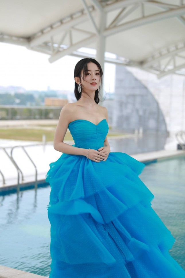 Ngất ngây với dàn mỹ nhân C-Biz ở giải Kim Ưng: Ai cũng lộng lẫy như công chúa ảnh 4