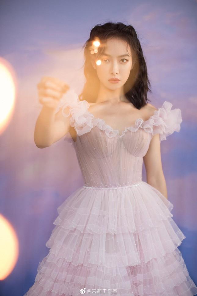 Ngất ngây với dàn mỹ nhân C-Biz ở giải Kim Ưng: Ai cũng lộng lẫy như công chúa ảnh 6