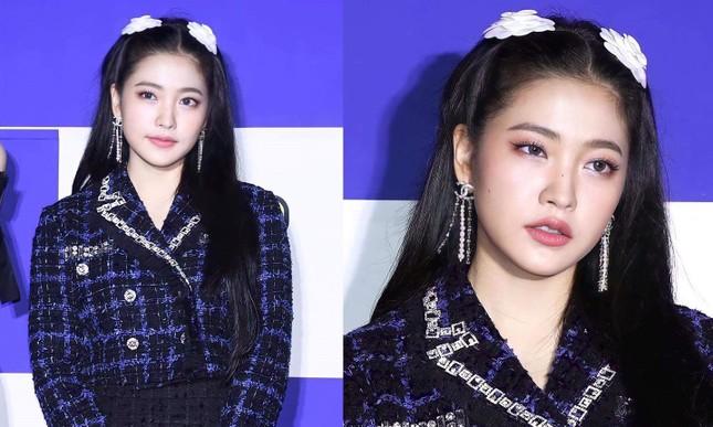 Thêm chi tiết nhỏ khiến netizen cho rằng Yeri (Red Velvet) đang bắt chước Jennie BLACKPINK ảnh 2