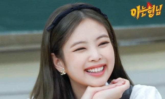 Fan té ngửa khi biết tên khai sinh của Jennie có liên quan đến một sao nam đình đám ảnh 1