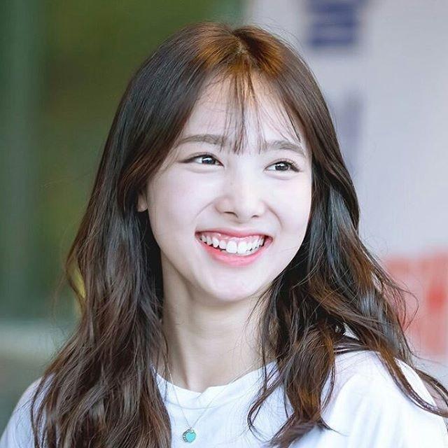 7 tiêu chuẩn ngoại hình của một idol K-Pop: Muốn đạt đủ chẳng khác gì thi Hoa hậu ảnh 7