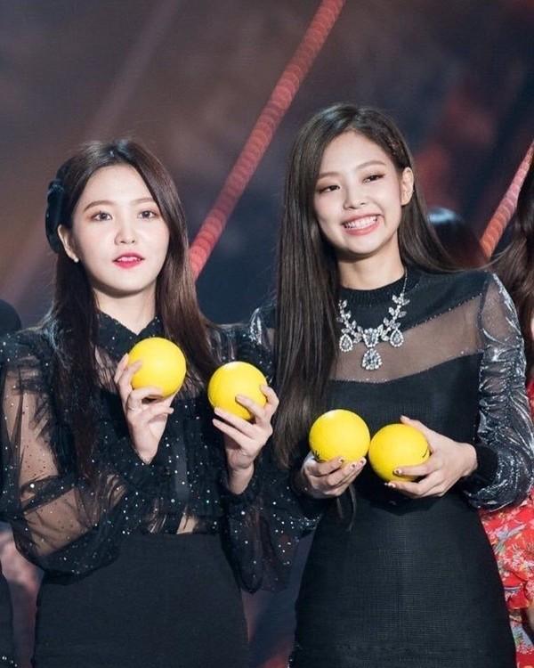 """Yeri có oan ức khi bị cho là """"chuyên gia sao chép"""": Từ Taeyeon, IU và giờ là Jennie? ảnh 2"""