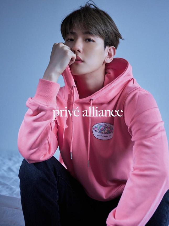 Giữa rừng mỹ nam K-Pop, Baekhyun (EXO) vẫn là chàng trai vạn người mê của các nhãn hàng ảnh 6