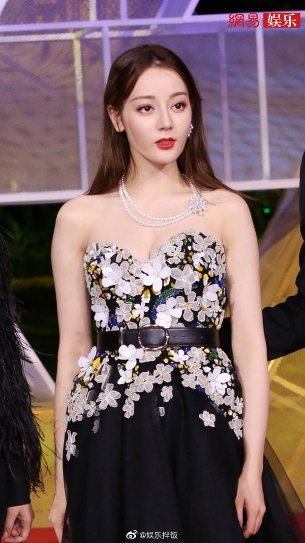 """Nhìn mỹ nhân """"Diên Hy Công Lược"""" nhặt hoa tai cực ngầu mà netizen lại nhớ Địch Lệ Nhiệt Ba ảnh 5"""
