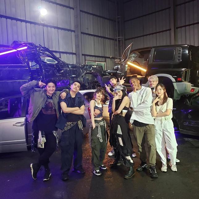 """""""Trợ lý"""" cho BLACKPINK, EXO: Công việc trong mơ của fan K-Pop có thật sự lý tưởng? ảnh 2"""