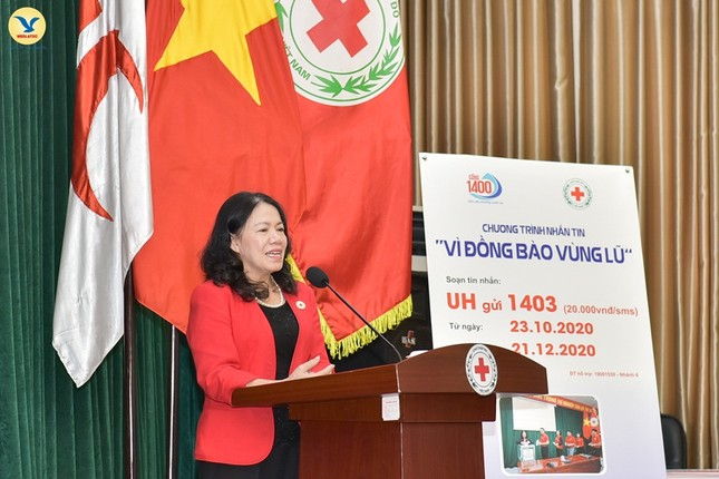 Đại diện tập đoàn MED GROUP trao 1,5 tỷ đồng tới Hội Chữ Thập đỏ Việt Nam ảnh 4