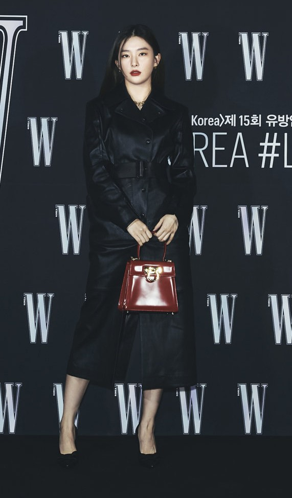 Giữa lúc nước sôi lửa bỏng của Red Velvet, ai cũng mừng khi thấy Seulgi làm điều này ảnh 1