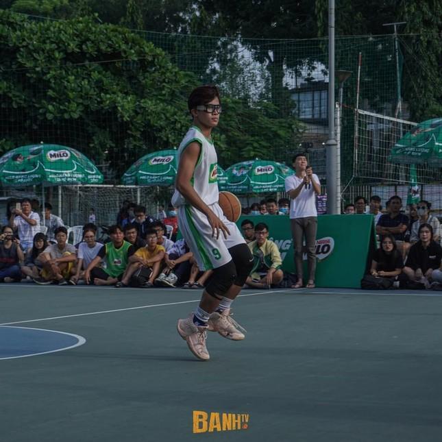 """Trần Huỳnh Khương - """"em trai Hà Anh Tuấn"""" chọn đam mê bóng rổ thay vì nghệ thuật ảnh 8"""
