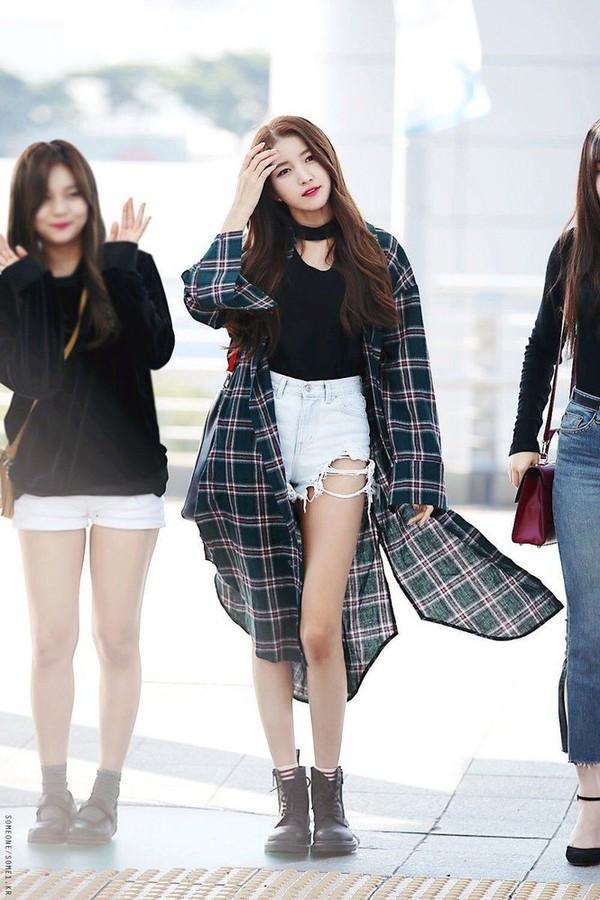 G-Friend đúng là nhóm nữ dáng đẹp nhất K-Pop: Hết đôi chân dài nhất đến tỷ lệ cơ thể vàng ảnh 5