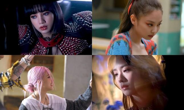 """Xem những cảnh bị cắt khỏi MV """"Lovesick Girls"""", dân tình chỉ thêm bực mình với YG Ent ảnh 1"""