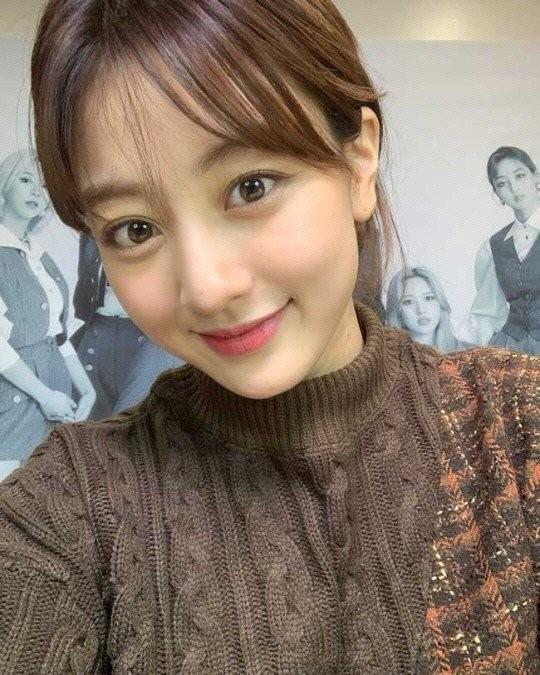 """Khổ như Jihyo (TWICE): Khi hẹn hò thì bị chê bai hết lời, lúc chia tay lại bị """"cà khịa"""" ảnh 4"""