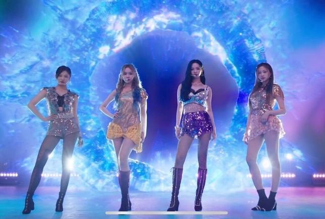 Bỏ lại sau lưng những lùm xùm, aespa có sân khấu debut xuất sắc khiến netizen thán phục ảnh 1