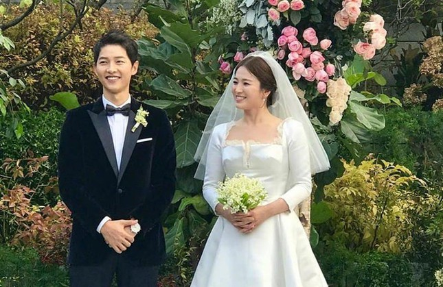 Song Hye Kyo đón sinh nhật bằng một bài thơ tình: Có gì liên quan tới Song Joong Ki không? ảnh 4