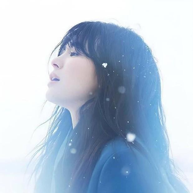 Song Hye Kyo đón sinh nhật bằng một bài thơ tình: Có gì liên quan tới Song Joong Ki không? ảnh 1