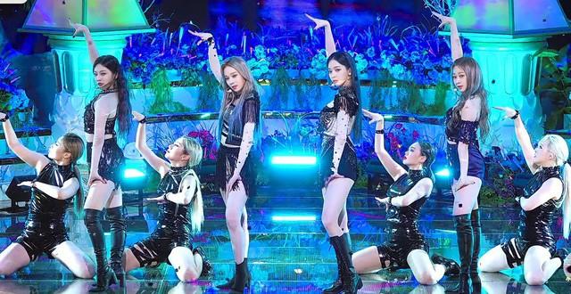 Netizen phát hiện một điểm khiến sân khấu debut của aespa khác hẳn các nhóm nữ SM khác ảnh 5