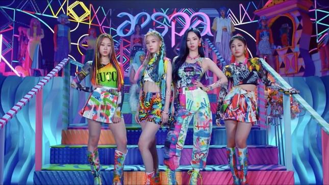 Netizen phát hiện một điểm khiến sân khấu debut của aespa khác hẳn các nhóm nữ SM khác ảnh 8