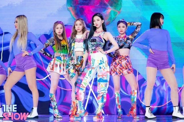 Netizen phát hiện một điểm khiến sân khấu debut của aespa khác hẳn các nhóm nữ SM khác ảnh 6