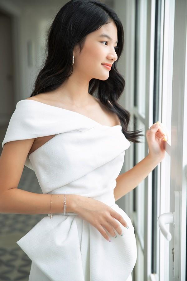 """12 tuổi đã xinh đẹp xuất sắc, con gái Trương Ngọc Ánh đúng là """"Hoa hậu tương lai""""! ảnh 2"""