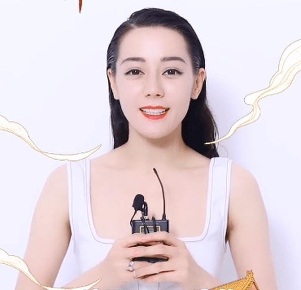 Xinh đẹp như Địch Lệ Nhiệt Ba mà cũng thành nạn nhân của việc chọn nhầm kiểu tóc ảnh 3