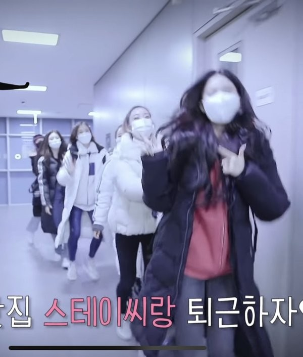 """Khéo léo như STAYC: Biến nhược điểm """"con nhà nghèo"""" thành ưu điểm được netizen khen ngợi ảnh 4"""
