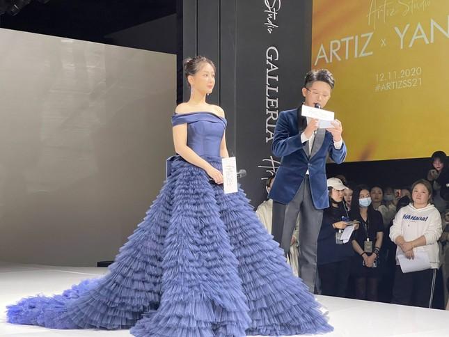 """Chưa rút kinh nghiệm sau váy Công Trí, Dương Tử lại tự """"dìm hàng"""" do chọn sai trang phục ảnh 3"""