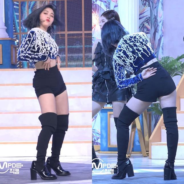 """Những màn lên đồ """"đi vào lòng đất"""" của stylist khiến idol K-Pop soi gương mà muốn khóc ảnh 6"""