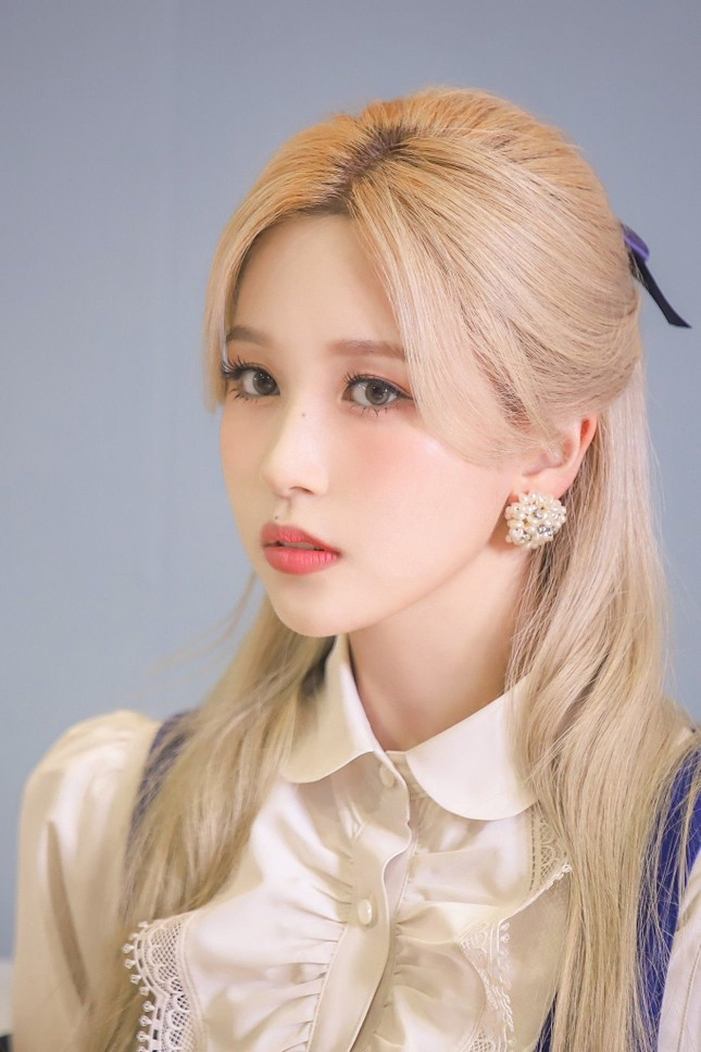 Mina (TWICE) khiến fan sửng sốt với khả năng biến hình: Công chúa hay ác nữ đều cân được ảnh 7